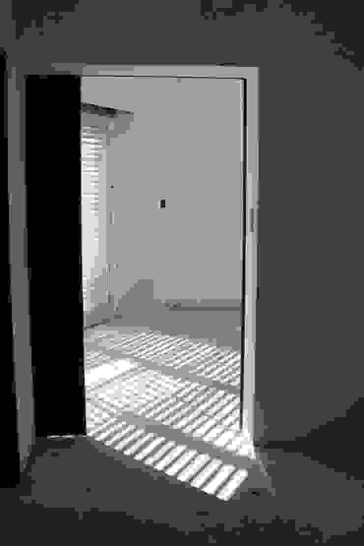 Casa A Vestidores y placares modernos de Prece Arquitectura Moderno