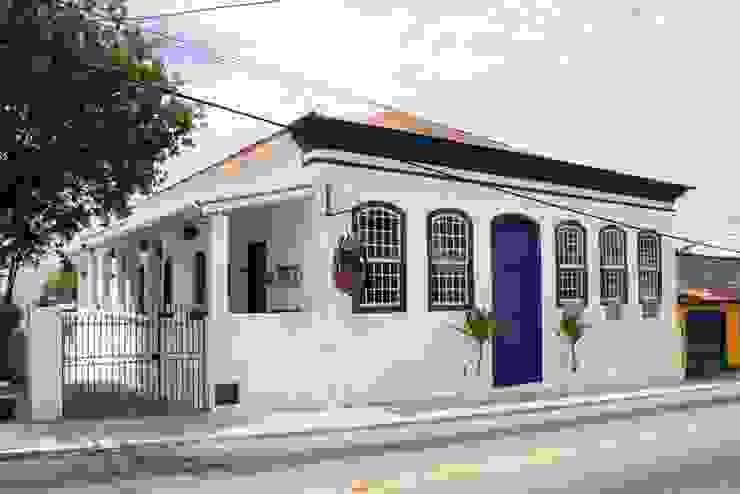 Café da Corte - Frontal Espaços gastronômicos coloniais por Ornato Arquitetura Colonial