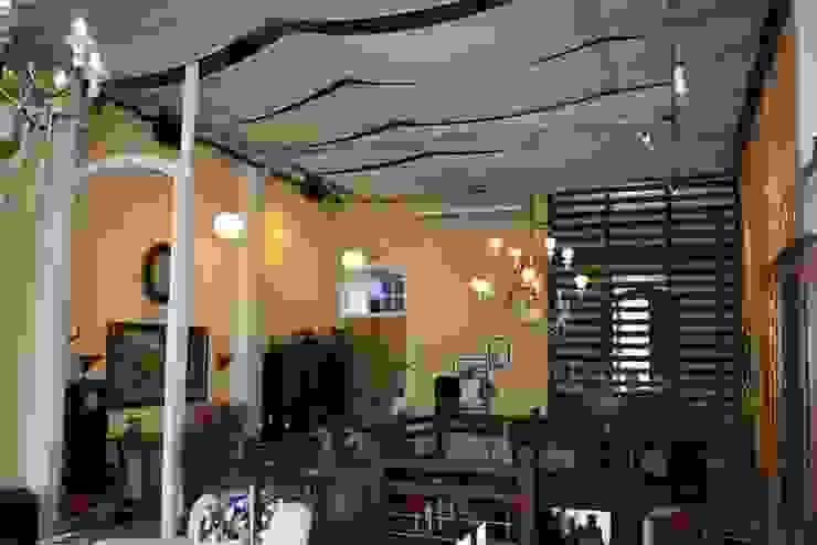 Café da Corte - Recepção:  colonial por Ornato Arquitetura,Colonial