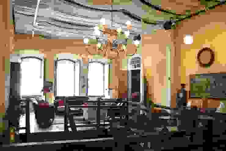 Café da Corte - Recepção Depois:  colonial por Ornato Arquitetura,Colonial