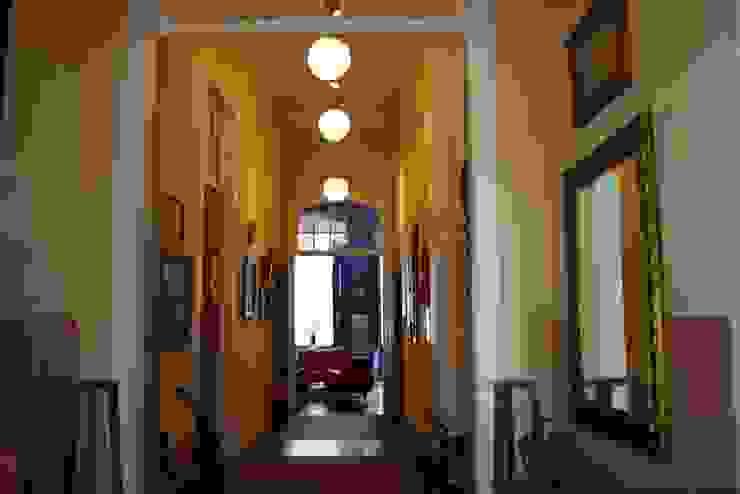 Café da Corte - Circulação:  colonial por Ornato Arquitetura,Colonial