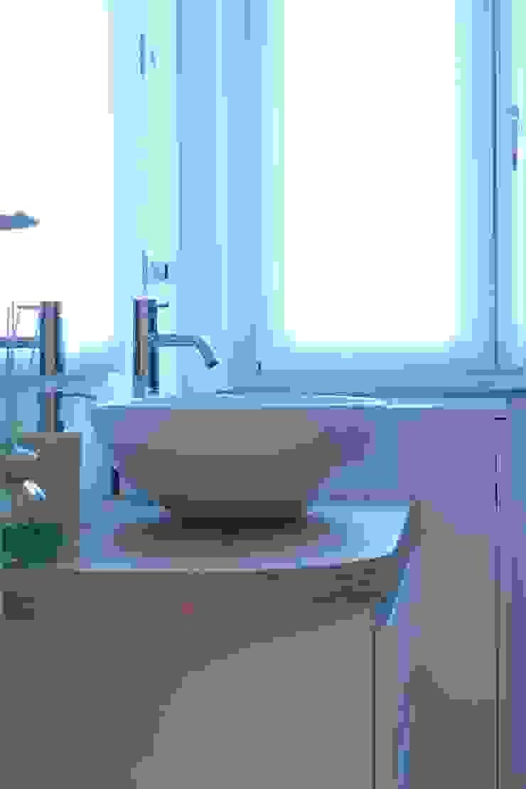 Il bagno di servizio di VILLEINBIOEDILIZIA