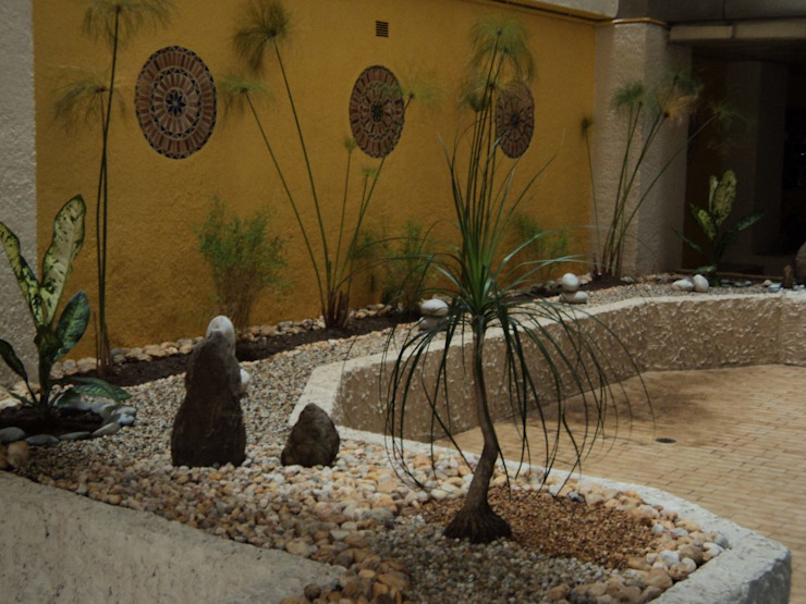 Сад в стиле модерн от Jardines Paisajismo Y Decoraciones Elyflor Модерн
