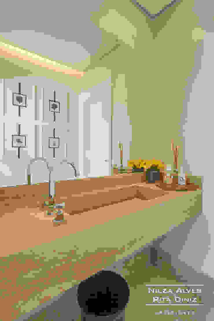 Lavabo Banheiros modernos por Nilza Alves e Rita Diniz Moderno