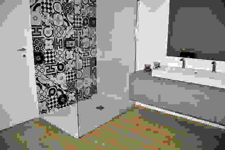 ArcKid ArcKid Ванная комната в стиле модерн