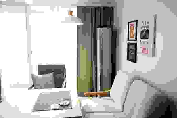 25평형 신혼집 홈 스타일링 스칸디나비아 다이닝 룸 by homelatte 북유럽