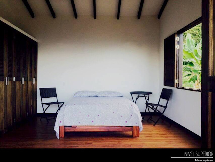NIVEL SUPERIOR taller de arquitectura Country style bedroom