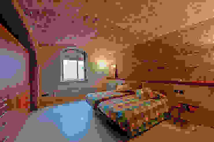 Restauración Loft Dormitorios de estilo clásico de APRIS GESTIÓ TÈNICA DE SERVEIS, SL Clásico