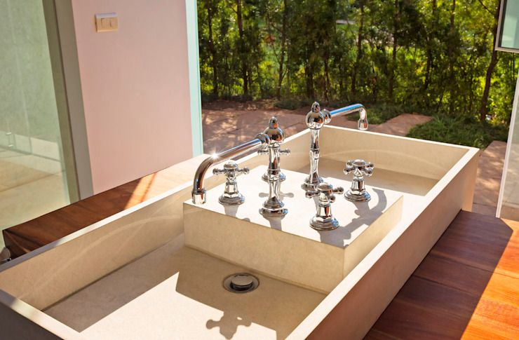 Baños de estilo moderno de Lopez Duplan Arquitectos Moderno