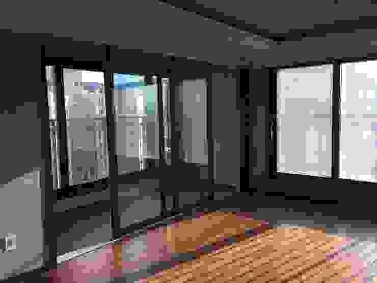 성주동 프리빌리지2차: 디자인세븐의 현대 ,모던