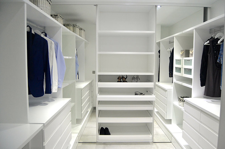 AG arquitectura Gorris Modern style dressing rooms