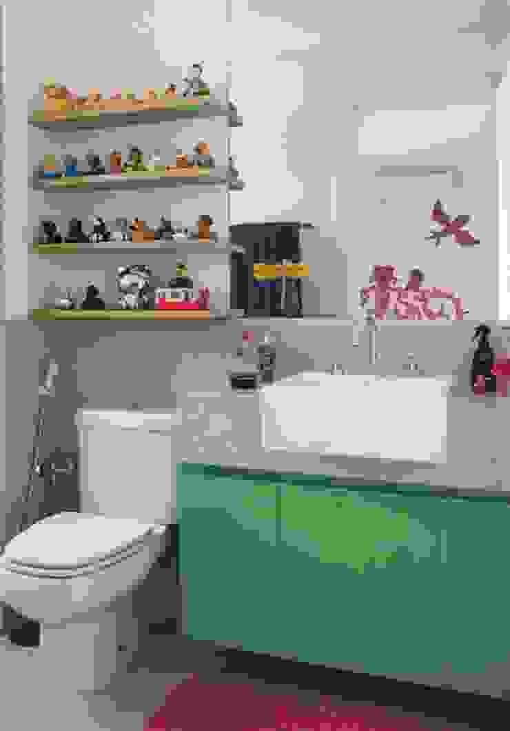 Bruna Riscali Arquitetura e Design Modern Bathroom
