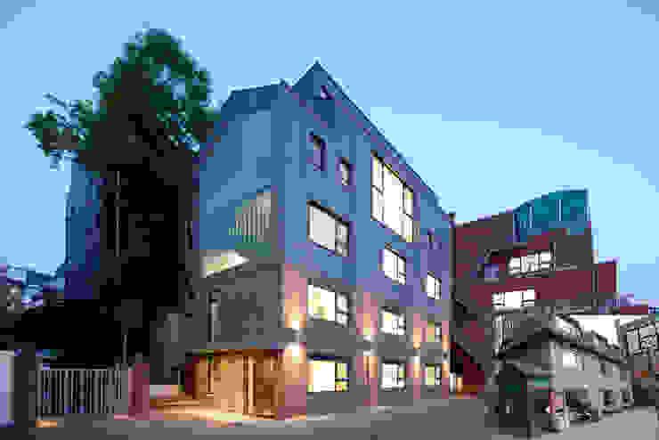 German School Seoul (DSSI) 모던 스타일 학교 by ZABEL&PARTNER 모던