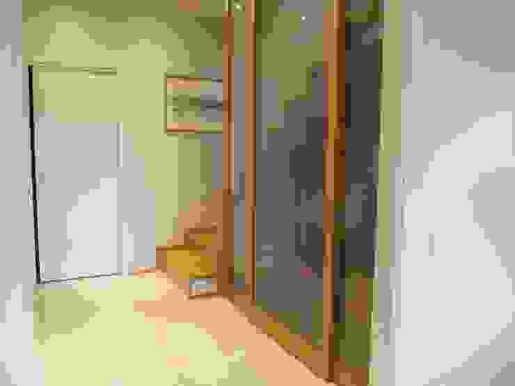 Architetto Alberto Colella Modern Corridor, Hallway and Staircase