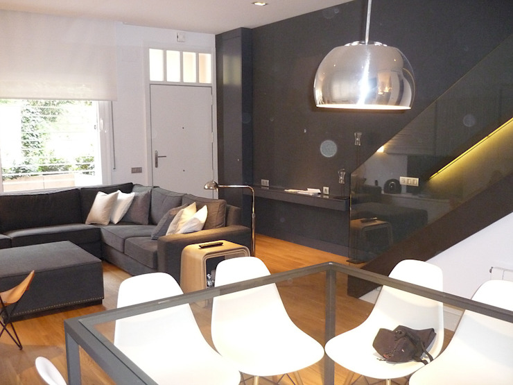 Reforma integral Casa Adosada Parque del Putxet 160 M2 de ROCIO MONTESINO INTERIORISMO