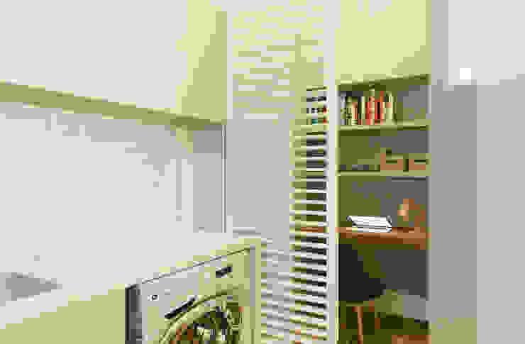 Ванная комната в стиле модерн от Isadora Cabral Arquitetura Модерн