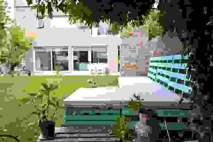 Living exterior Jardines modernos: Ideas, imágenes y decoración de epb arquitectura Moderno