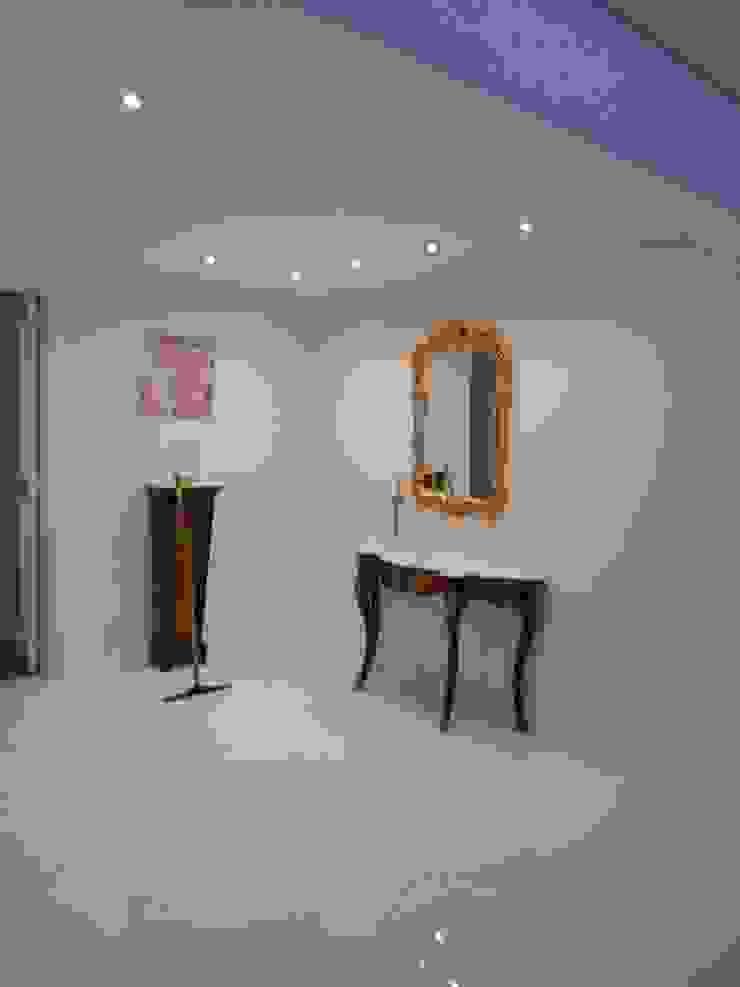 Hall de Acceso Livings modernos: Ideas, imágenes y decoración de Estudio BASS Arquitectura Moderno