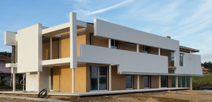 Minimalistische Häuser von Hugo Pereira Arquitetos Minimalistisch