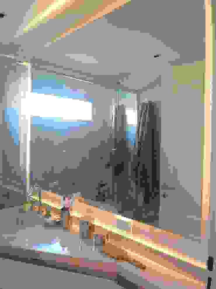Baño Suite Baños modernos de Estudio BASS Arquitectura Moderno