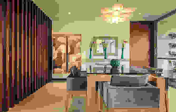 Mesa de comedor + Bar:  de estilo  por Cristina Cortés Diseño y Decoración , Moderno