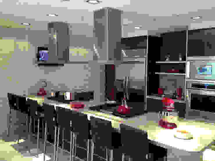 Modern style kitchen by ARCO Arquitectura Contemporánea Modern
