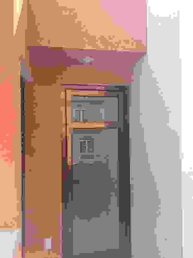 Vivienda La Presa Puertas y ventanas modernas de Taller Esencia Moderno