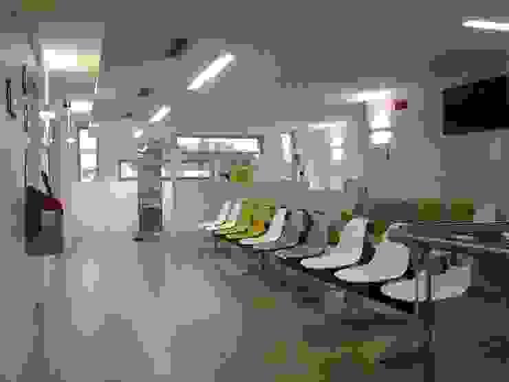 Modern clinics by masetto snc Modern