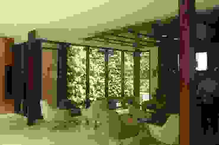 jardín vertical exterior de ARQUIOBRA Tropical Bambú Verde