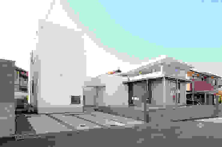 外観 モダンな 家 の 環境建築計画 モダン 金属