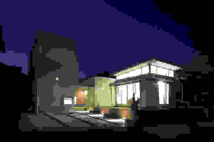 外観2 モダンな 家 の 環境建築計画 モダン 金属