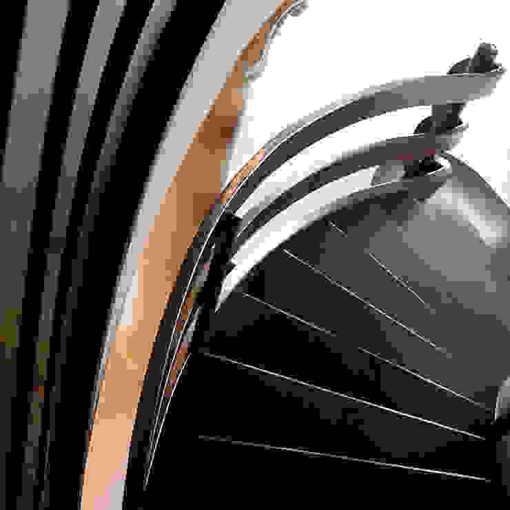 Schody Drewniane Drewpol II Klasyczny korytarz, przedpokój i schody od Drewpol II Klasyczny