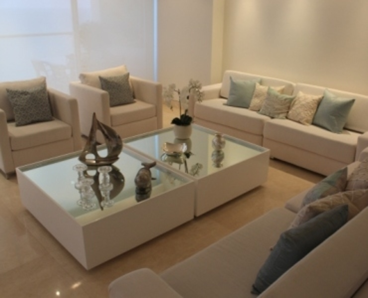 Sala Salas modernas de Monica Saravia Moderno