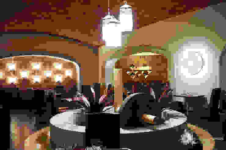 Hotel in stile rustico di Marisol Tafich Rustico