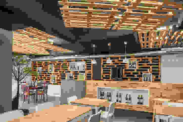 """Restaurante """"Um Cibo no Prato"""" - Braga Espaços de restauração modernos por Inception Architects Studio Moderno"""