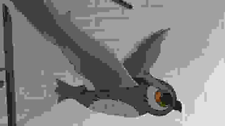 Buho gris:  de estilo tropical por Artesania Ikare, Tropical Tablero DM