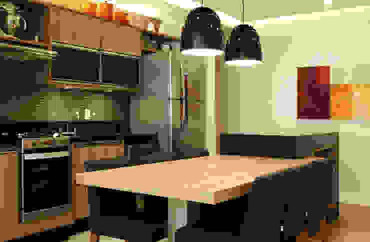 Apartamento Paisagem Tamboré: Salas de jantar  por Studio 262 - arquitetura interiores paisagismo