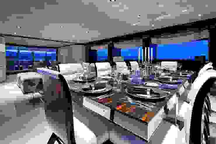 Yates y jets modernos de Luca Dini Design Moderno