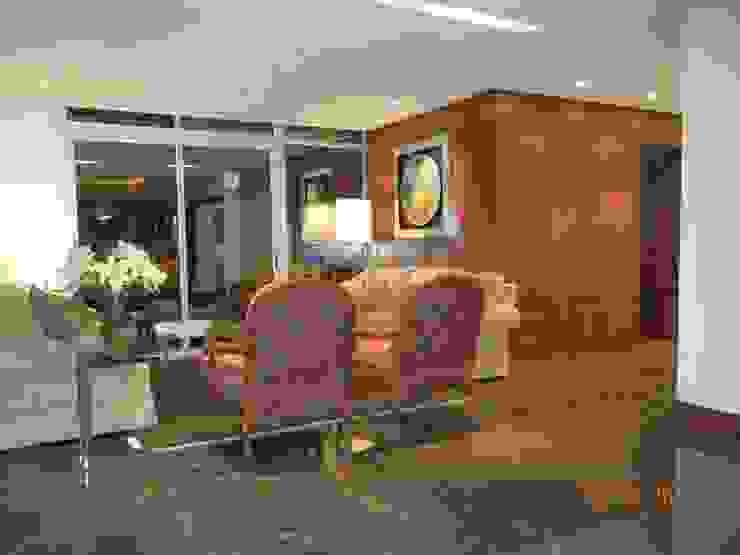 Interiores Depto. Torre Chipinque Salones modernos de galan arquitectos Moderno
