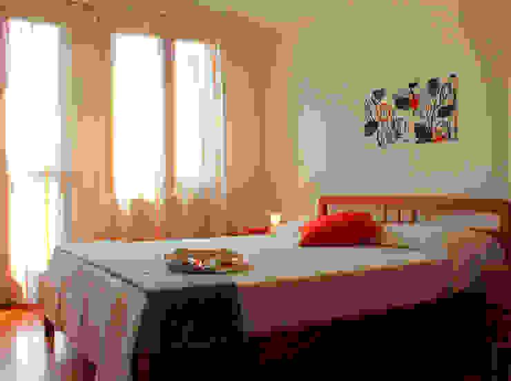 Villetta nell'isola di Pellestrina con obiettivo affitto estivo Cuartos de estilo moderno de Before & After Moderno