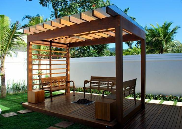 Country style garden by ssarquitetura.producao Country