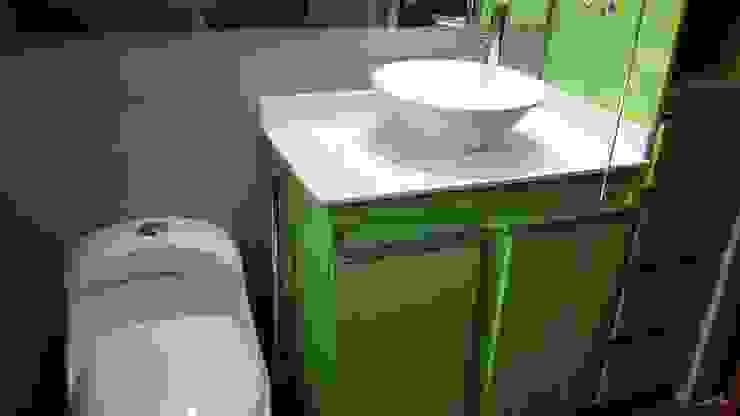 Remodelación Baño Baños de estilo moderno de arquitecni_k Moderno