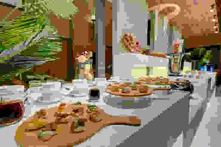 Asian style dining room by Aijaz Hakim Architect [AHA] Asian
