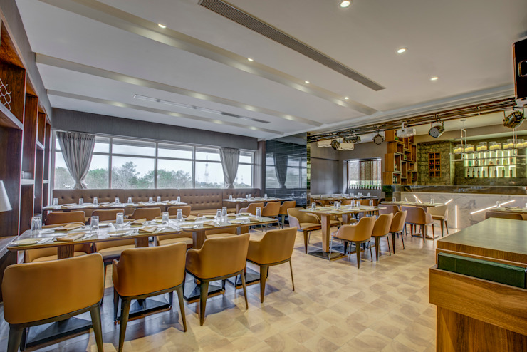 Modern dining room by Aijaz Hakim Architect [AHA] Modern