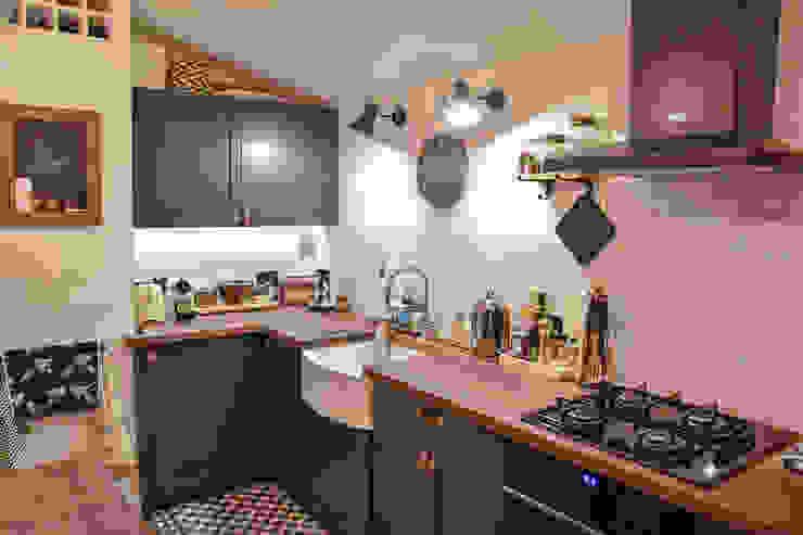 The Brixton Kitchen 모던스타일 주방 by NAKED Kitchens 모던