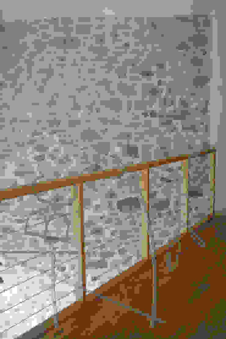 ABC Design d'Espace Rustic style corridor, hallway & stairs