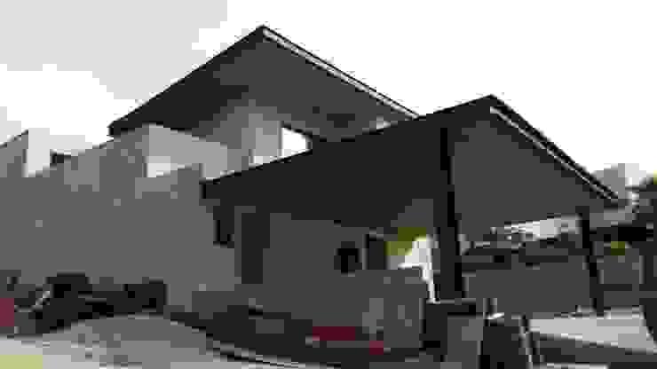 Casa Habitación, Bosque Real, Huixquilucan Estado de México Casas modernas de L+arq Architecture Design Studio Moderno