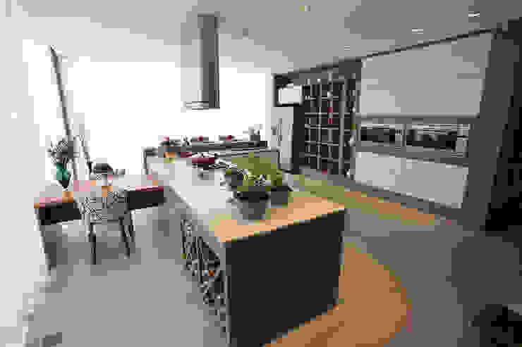 Projeto FERNANDES E FALEIRO Cozinhas modernas