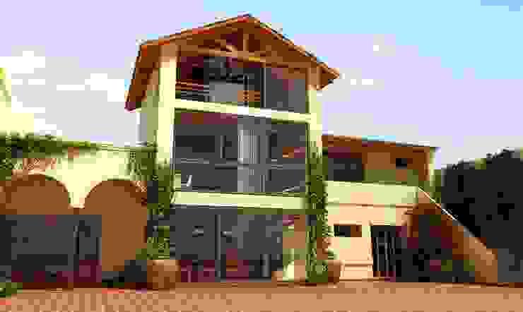 Casa Besares Casas modernas: Ideas, imágenes y decoración de Claros Escalada Arquitectos y Asociados Moderno