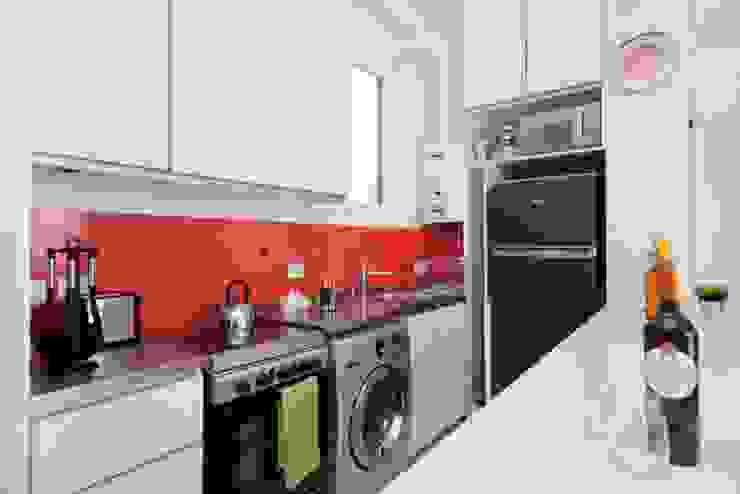 Larrea Apartamento Cocinas modernas: Ideas, imágenes y decoración de Ballesteros | Arquitectos Moderno